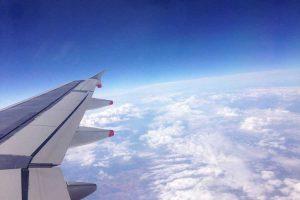 lot samolotem z dzieckiem7 900x600 300x200